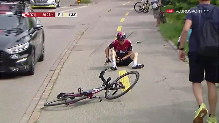 esempio 2 di caduta sulla spalla dalla bicicletta